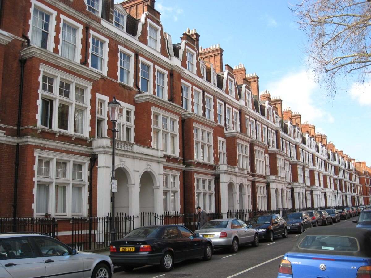A demonstration of complexity in london emergent urbanism for The kensington house